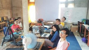 Yale Communication Kursus Komputer di Kubu Raya